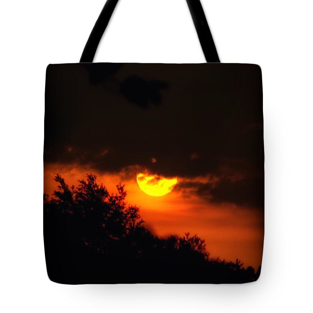 Summer Sunrise Tote Bag featuring the photograph Sunrise In Jackson Michigan by Thomas Woolworth