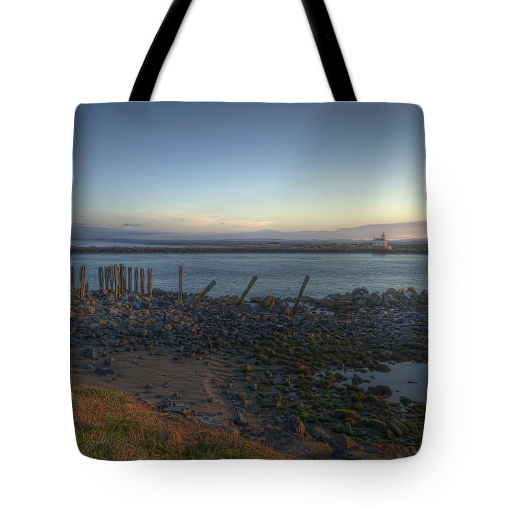Bandon Oregon Tote Bag featuring the photograph Sunrise On The Coquille River by Lindley Johnson