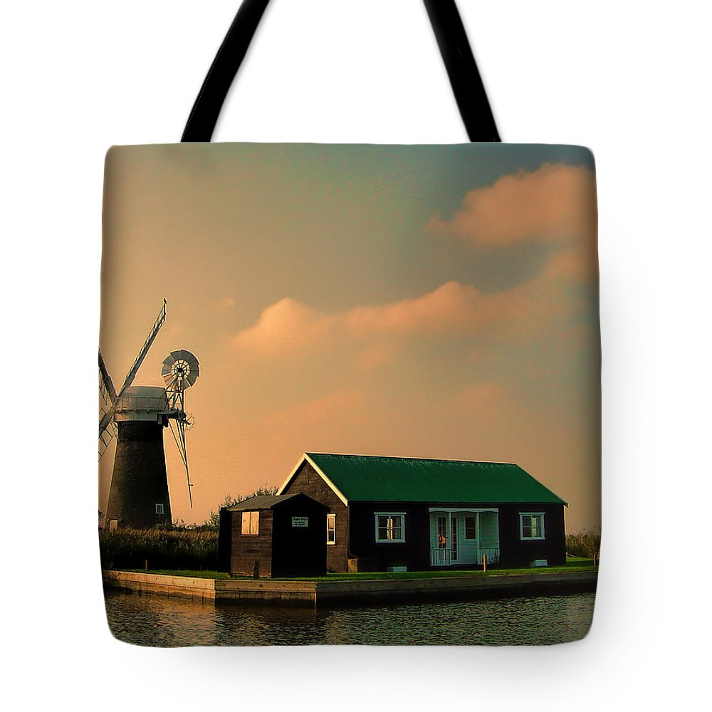 Sunset On The Broads Tote Bag featuring the photograph Sunset On The Broads by Phyllis Taylor