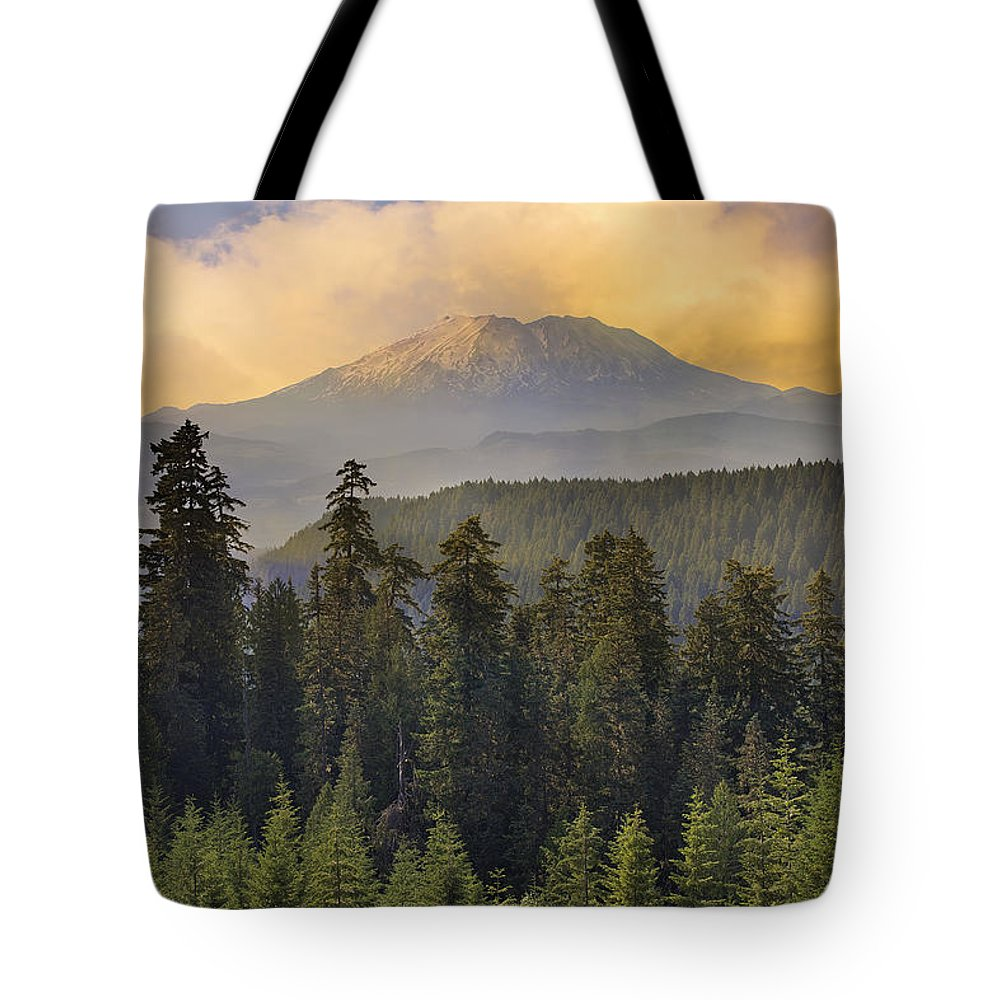 Sunset Tote Bag featuring the photograph Sunset Over Mount St Helens by Jit Lim