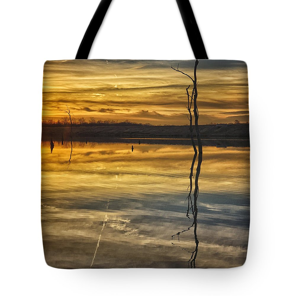 Sunset Tote Bag featuring the photograph Sunset Riverlands West Alton Mo Dsc03317 by Greg Kluempers