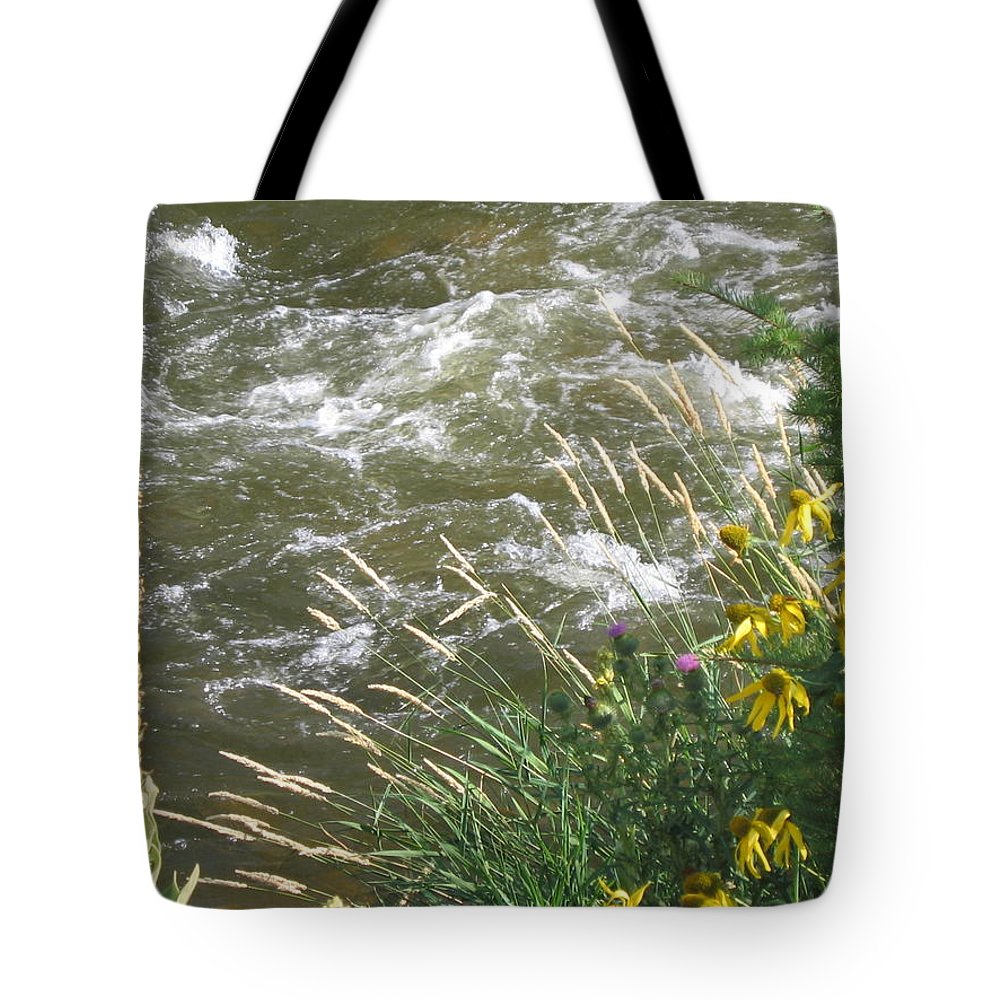 Colorado Tote Bag featuring the photograph Surreal by Suzanne Theis