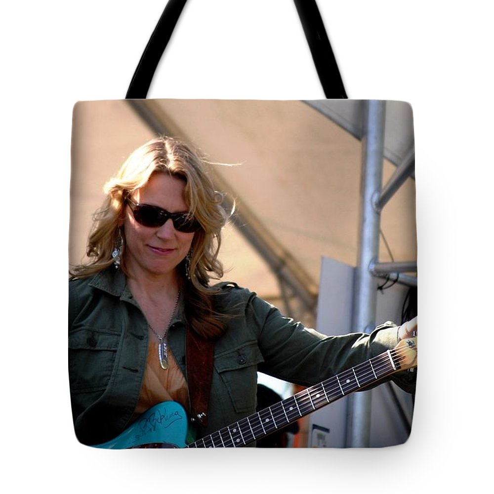 Music Tote Bag featuring the photograph Susan Tedeschi by Angela Murray