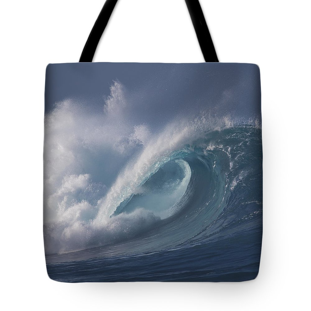 Waimea Bay Tote Bag featuring the photograph Swell by Grant Taylor