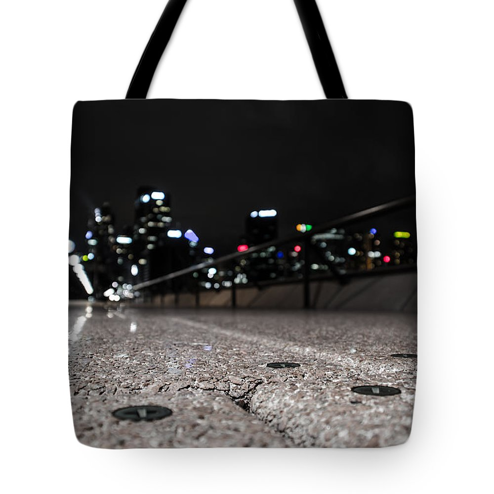 Australia Tote Bag featuring the photograph Sydney by D White