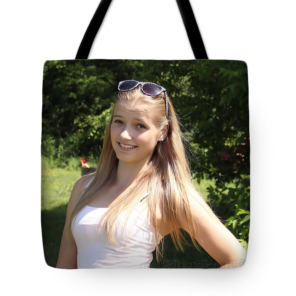 Teen Tote Bag Featuring The Photograph Teen Beauty By Janice Byer