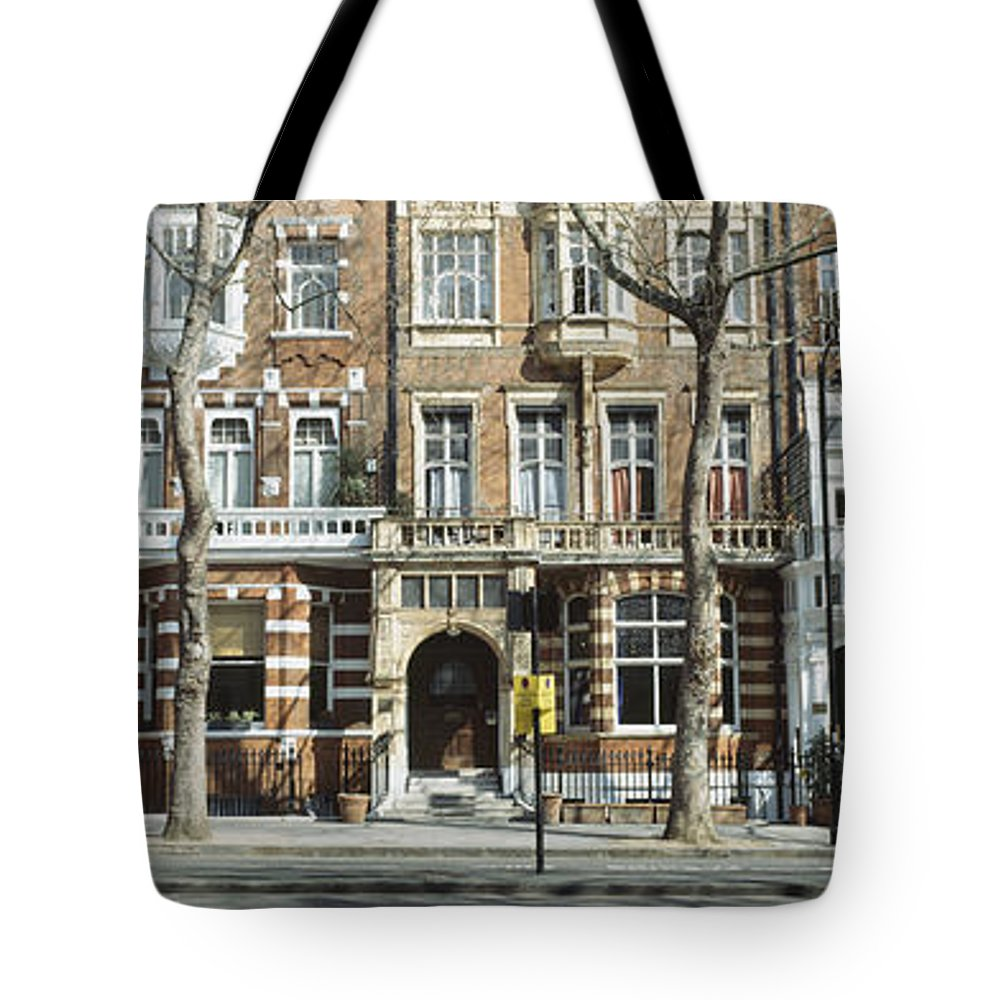 Avenues Tote Bag featuring the photograph Terraced Houses In Kensington by Ian Cumming