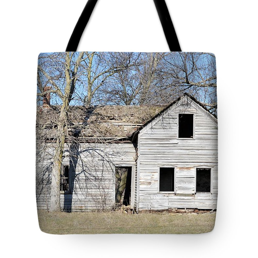 House Tote Bag featuring the photograph Testimonial To The Past by Bonfire Photography