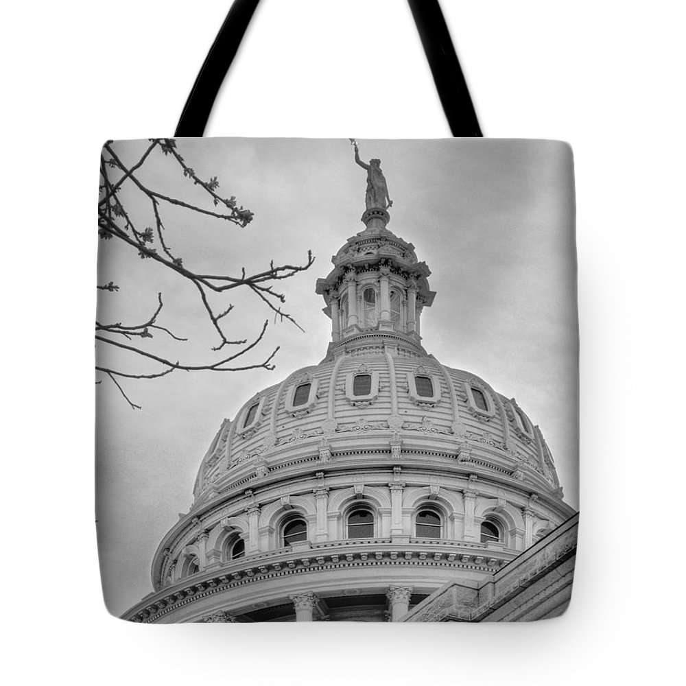Architecture Tote Bag featuring the photograph Texas Capital Dome In Monochrome by David and Carol Kelly