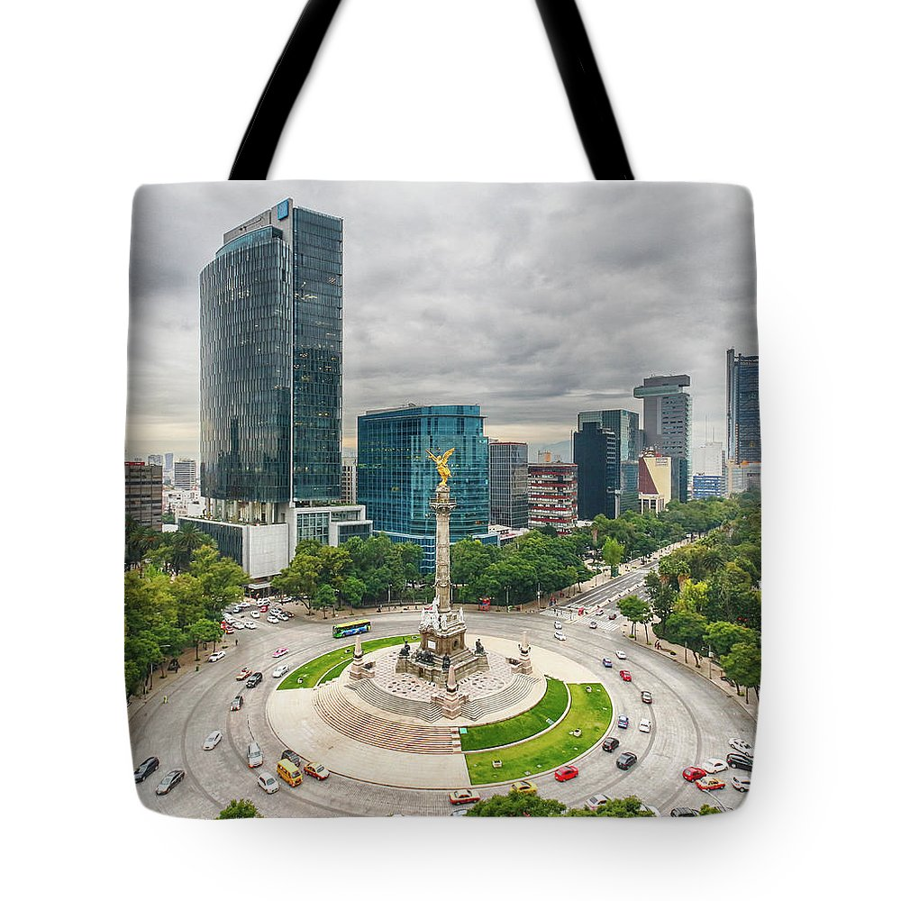 Mexico City Tote Bag featuring the photograph The Angel Of Independence, Mexico City by Sergio Mendoza Hochmann