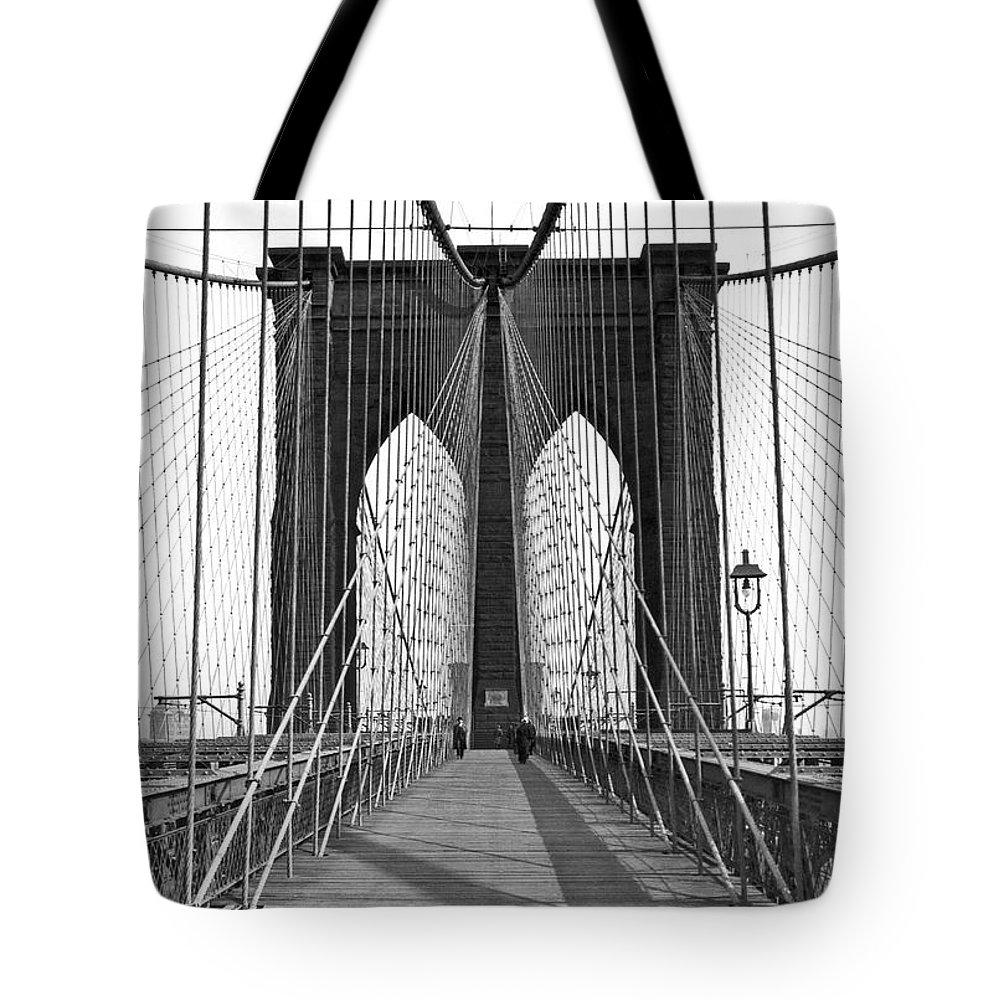 1923 Tote Bag featuring the photograph The Brooklyn Bridge by Underwood Archives