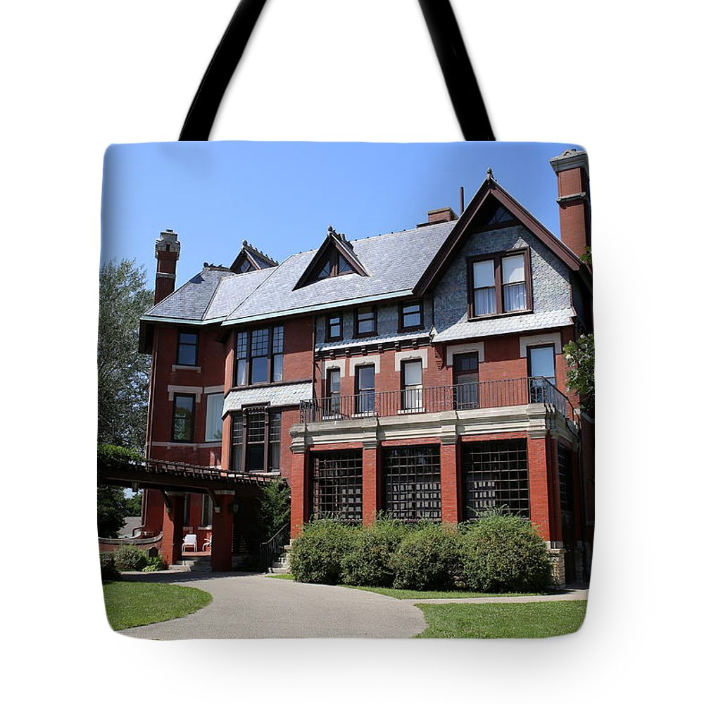 Brucemore Tote Bag featuring the photograph The Brucemore by Lynn Sprowl