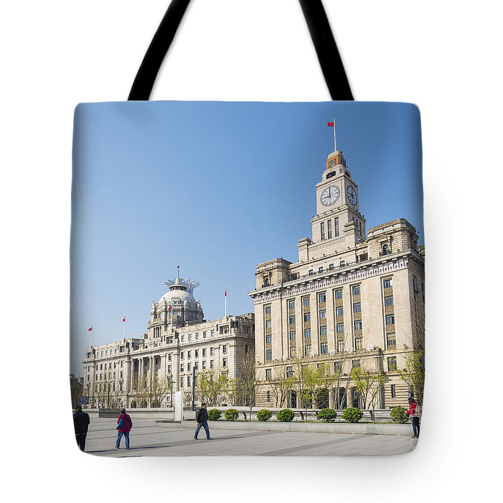 Architecture Tote Bag featuring the photograph The Bund In Shanghai China by Jacek Malipan