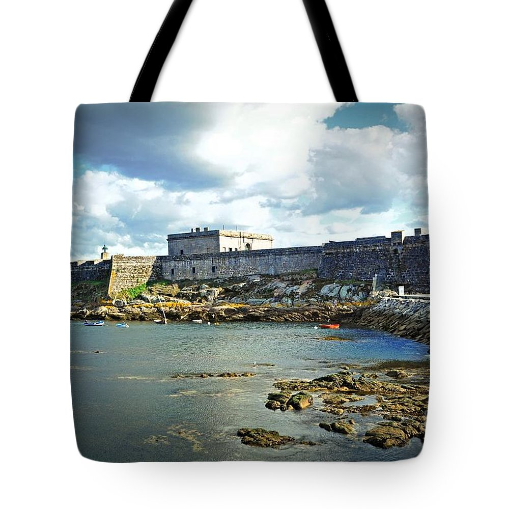 The Fort On The Harbor Tote Bag featuring the photograph The Castle Fort On The Harbor by Mary Machare