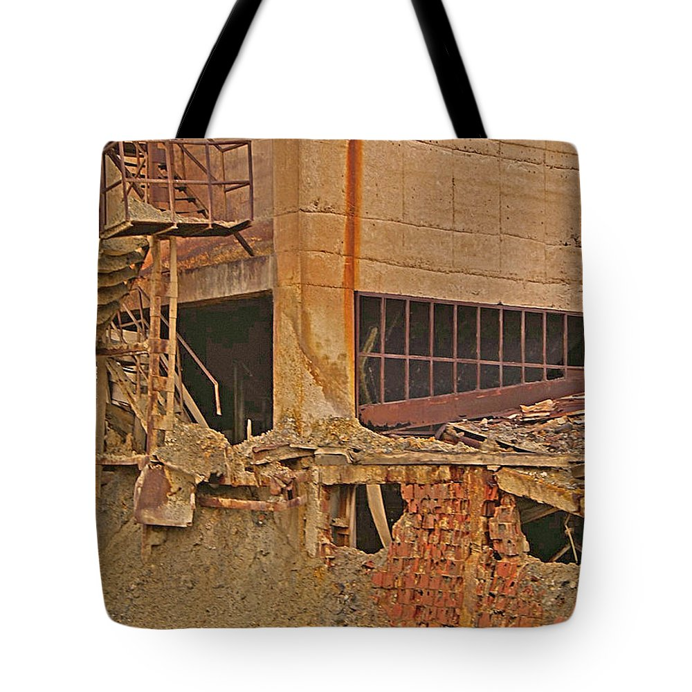 Red Rock Formations Tote Bag featuring the photograph The Catacombs by CR Leyland