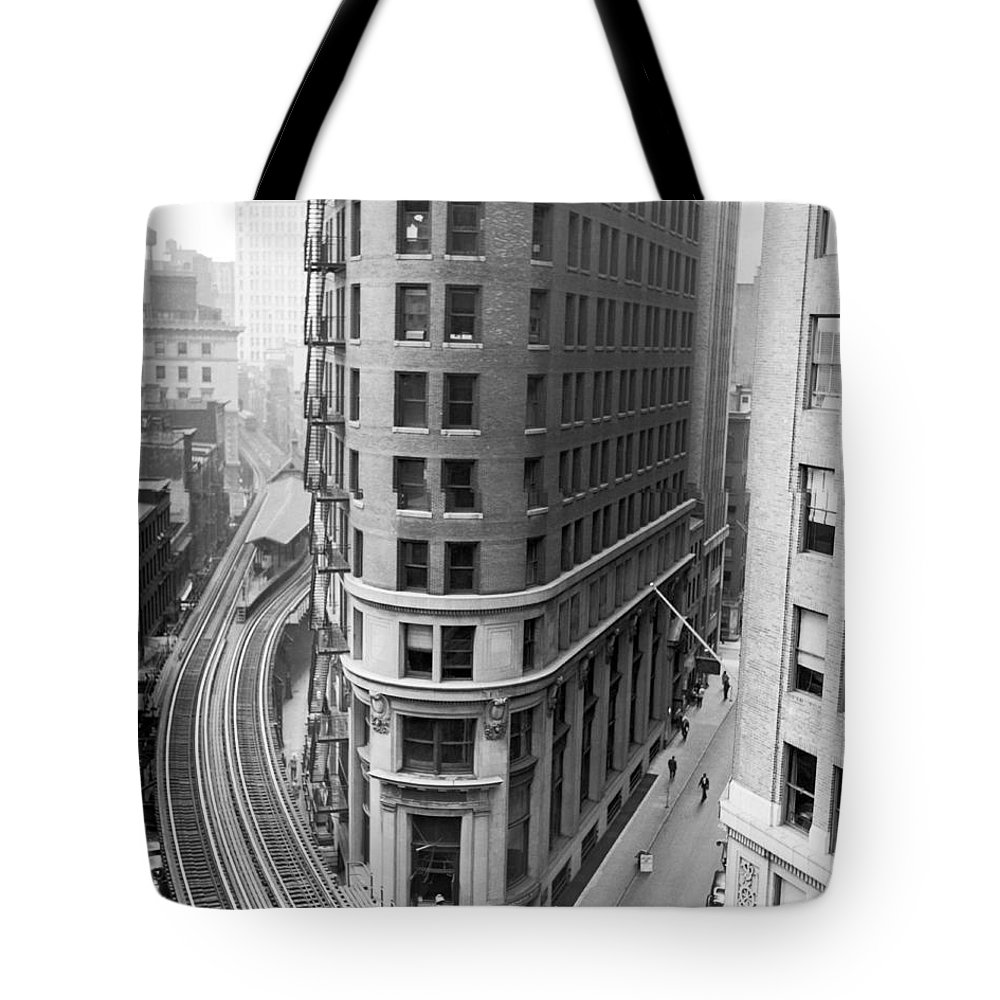 1939 Tote Bag featuring the photograph The Cocoa Exchange Building by Underwood Archives