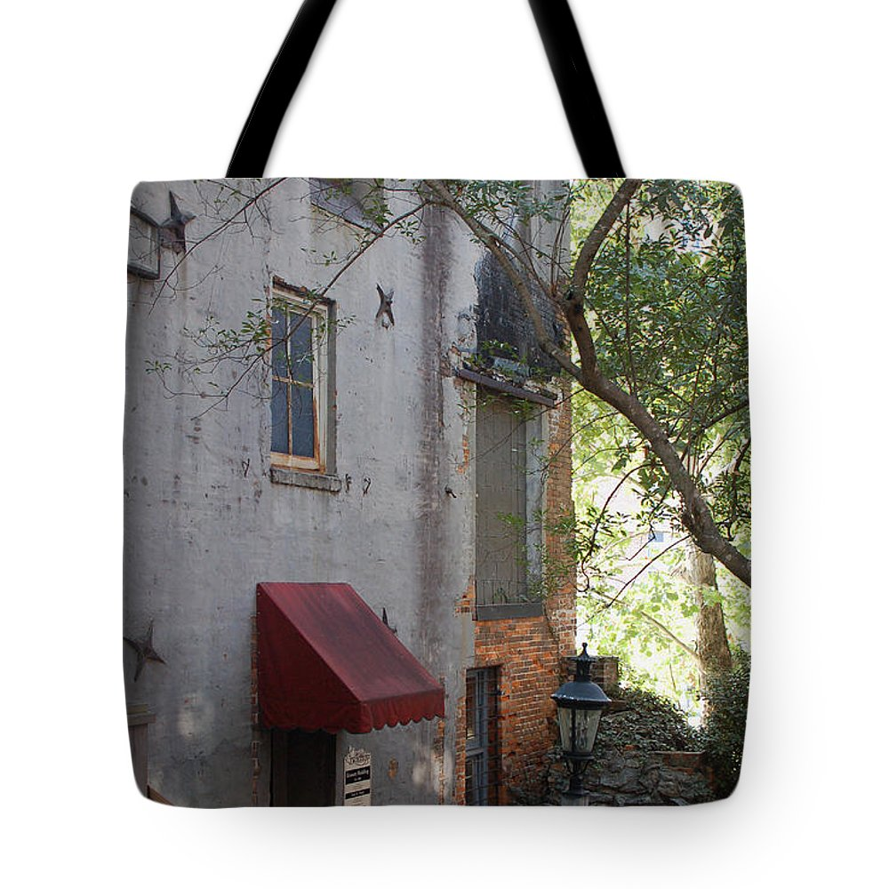 Cotton Exchange Tote Bag featuring the photograph The Cotton Exchange In Wilmington Nc by Suzanne Gaff