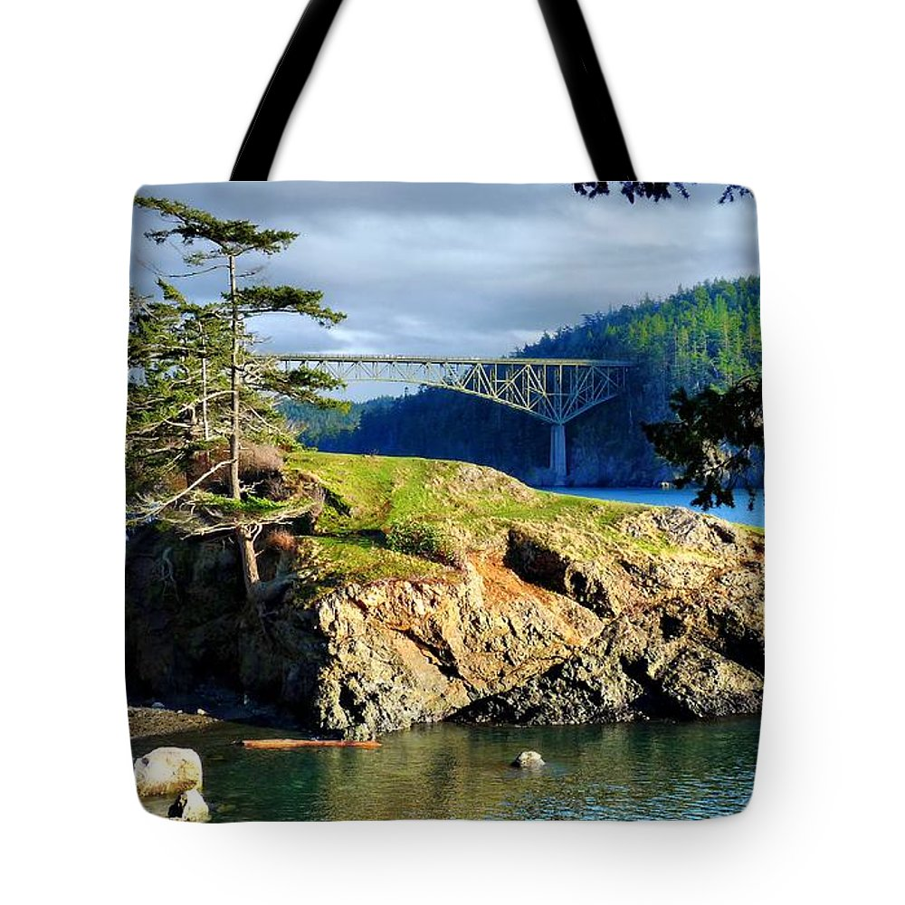 Bridge Tote Bag featuring the photograph The Edge Of Paradise by Rick Lawler