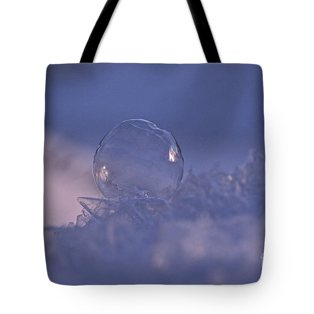 Outdoors Tote Bag featuring the photograph The Edge Of Round by Susan Herber