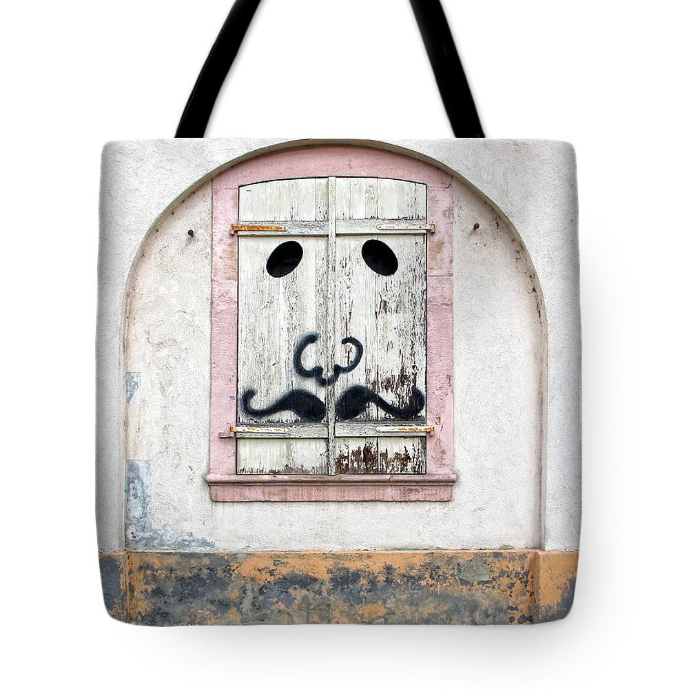 Graffiti Tote Bag featuring the photograph The Face by Dave Mills