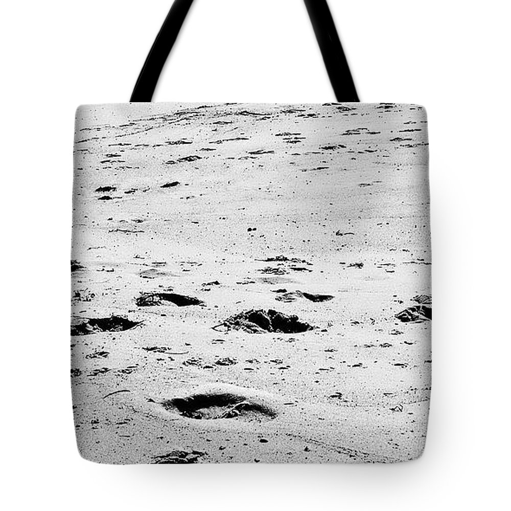 Digital Black And White Photo Tote Bag featuring the digital art The Footprints At Wineglass by Tim Richards