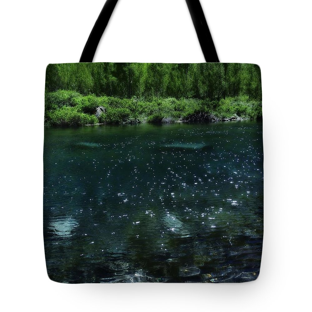 The Glimmer Of Maroon Lake Tote Bag featuring the photograph The Glimmer Of Maroon Lake by Dan Sproul