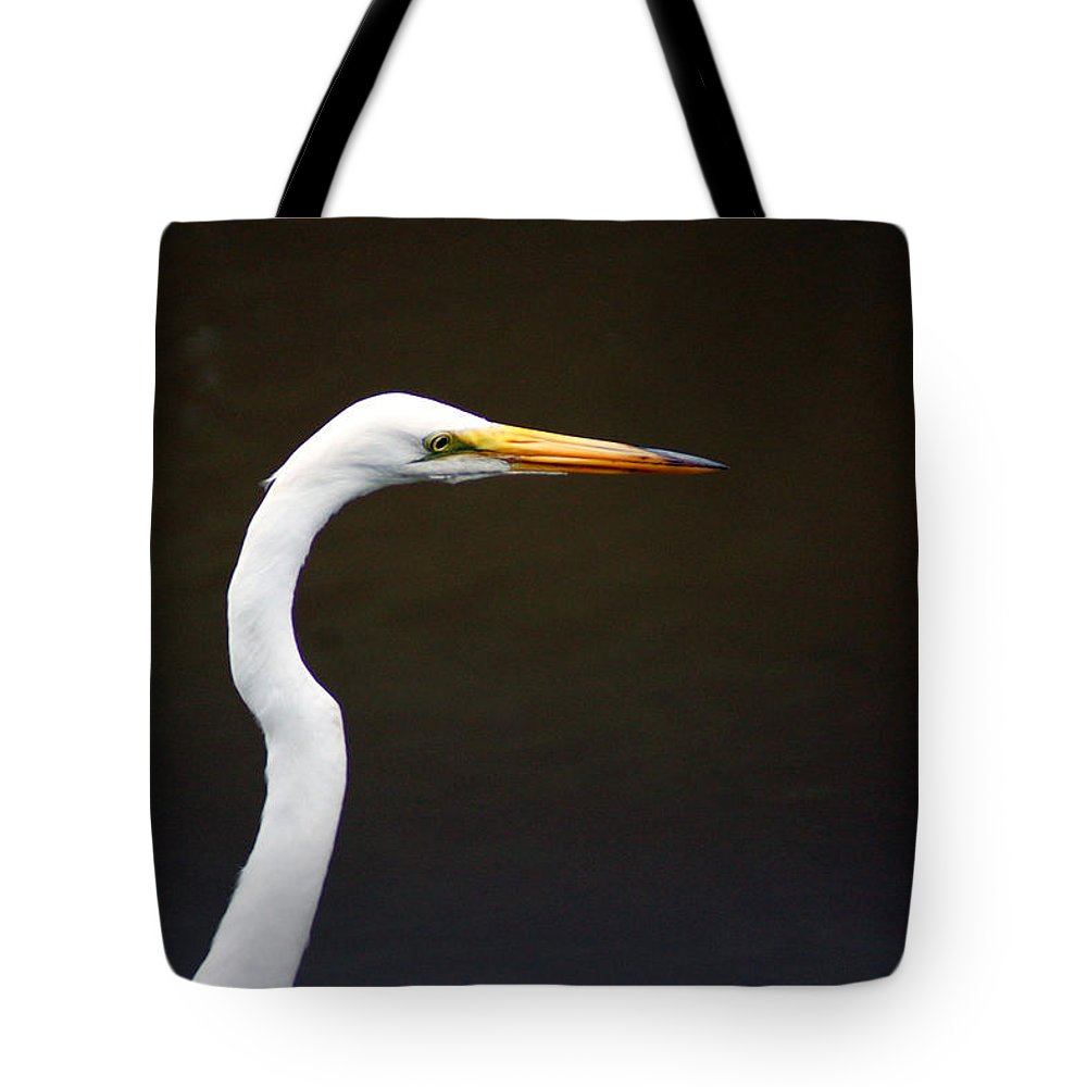 The Great Egret Tote Bag featuring the photograph The Great Egret Head Shot by Kim Pate