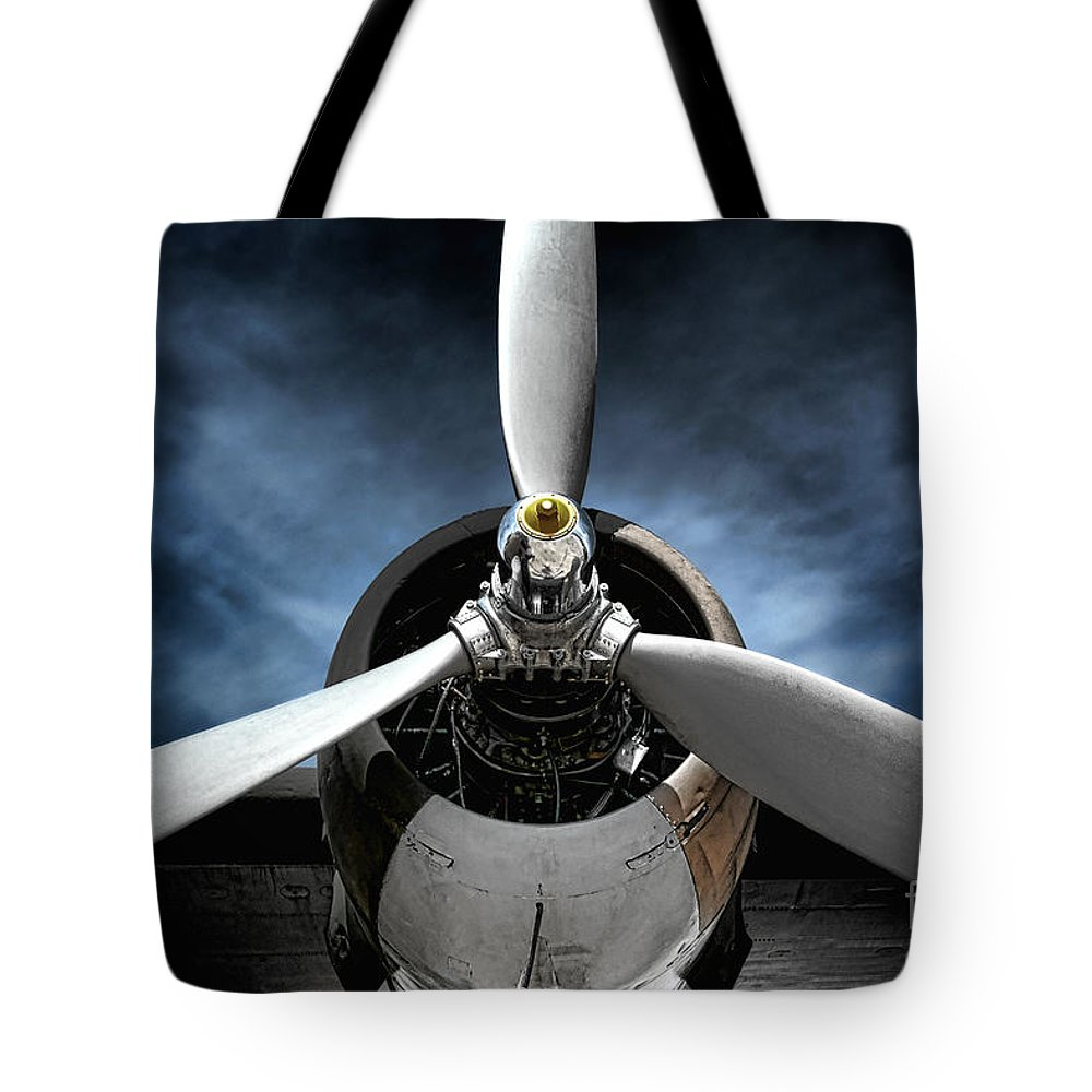 Motor Photographs Tote Bags
