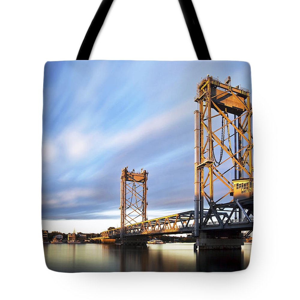 The New Memorial Tote Bag featuring the photograph The New Memorial by Eric Gendron