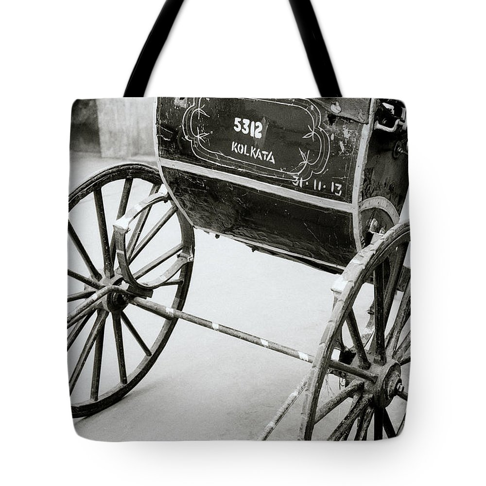 India Tote Bag featuring the photograph The Rickshaw by Shaun Higson