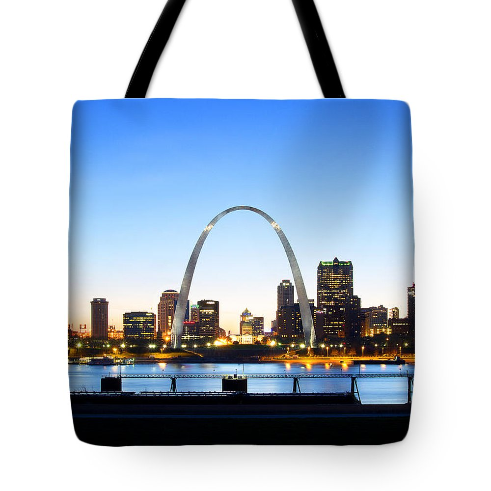 River Tote Bag featuring the photograph The St. Louis Skyline by Cindy Tiefenbrunn