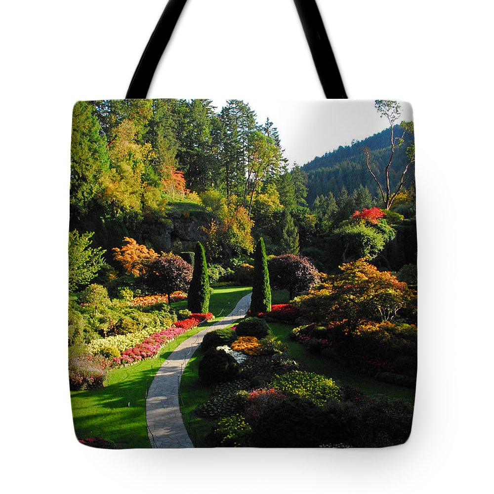 Gardens Tote Bag featuring the photograph The Sunken Garden by Lynn Bauer