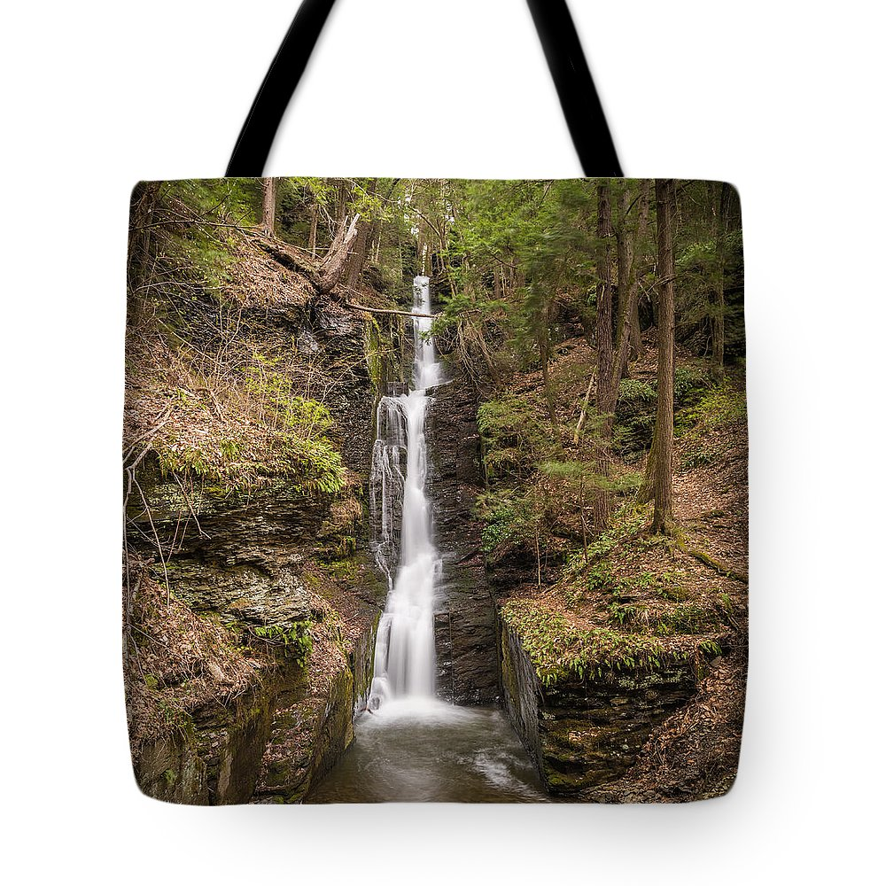 Pennsylvania Tote Bag featuring the photograph The Thread by Kristopher Schoenleber
