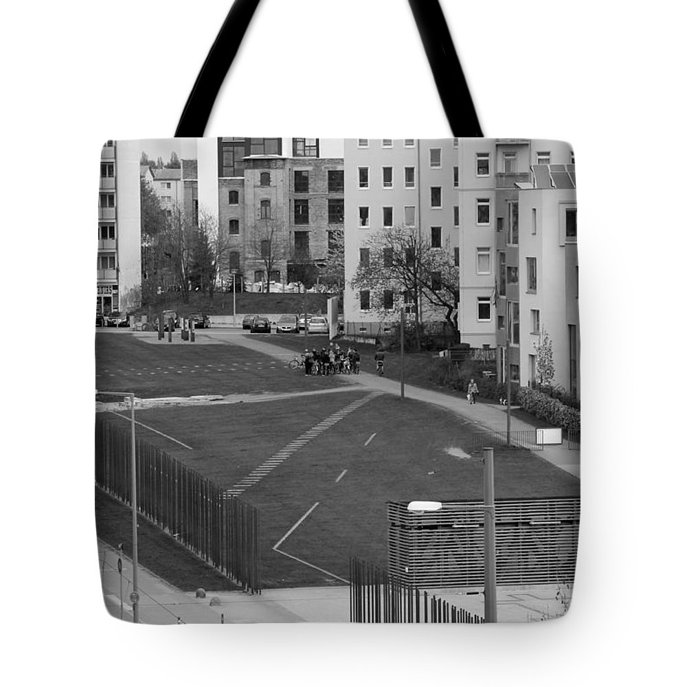 Tunnel Escape East West Berlin Wall Bars Death Stripe French Russian Sector Photograph Bw Sw Fluchttunnel Tote Bag featuring the photograph The Tunnel by Steve K
