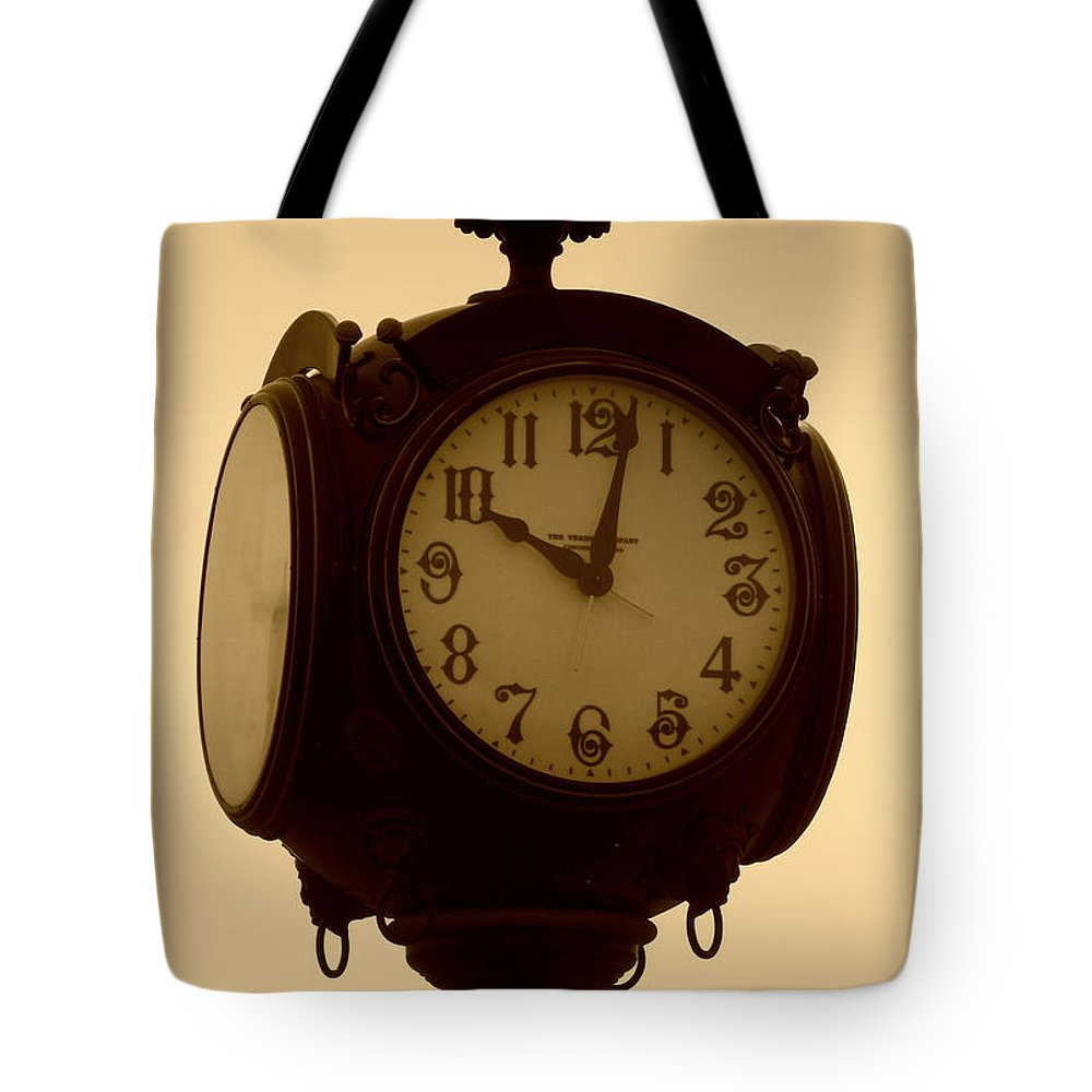 Acrylic Prints Tote Bag featuring the photograph The Vintage Town Clock by Bobbee Rickard