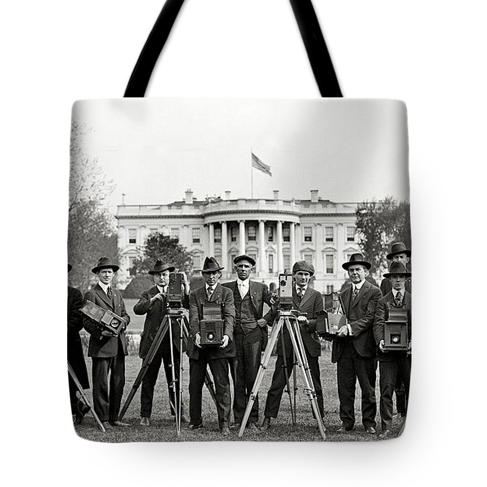 Whitehouse Tote Bags