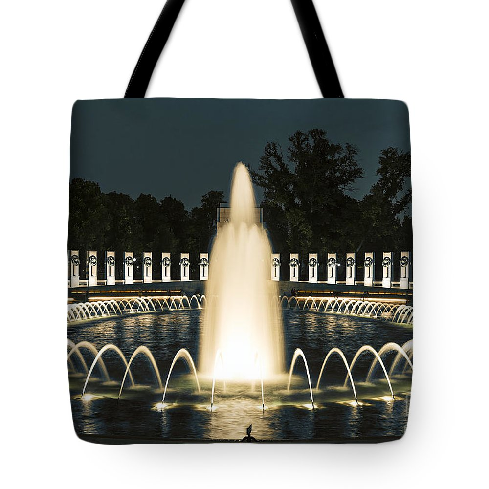 America Tote Bag featuring the photograph The World War II Memorial by John Greim