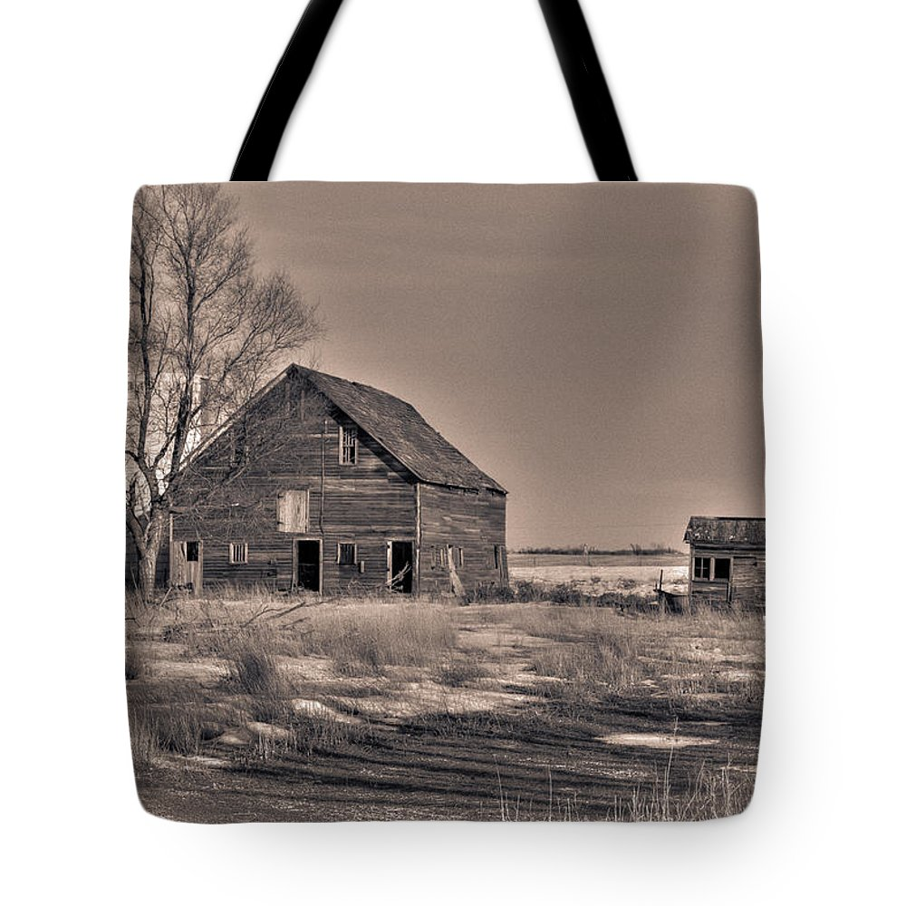 South Dakota Tote Bag featuring the photograph Three Views - 1 by M Dale