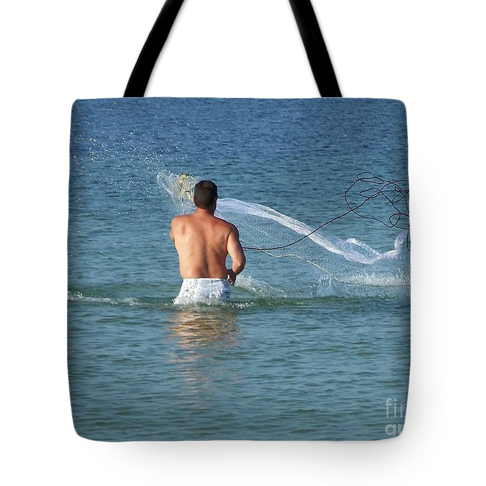 Net Tote Bag featuring the photograph Throwing The Net by Marilyn Zalatan