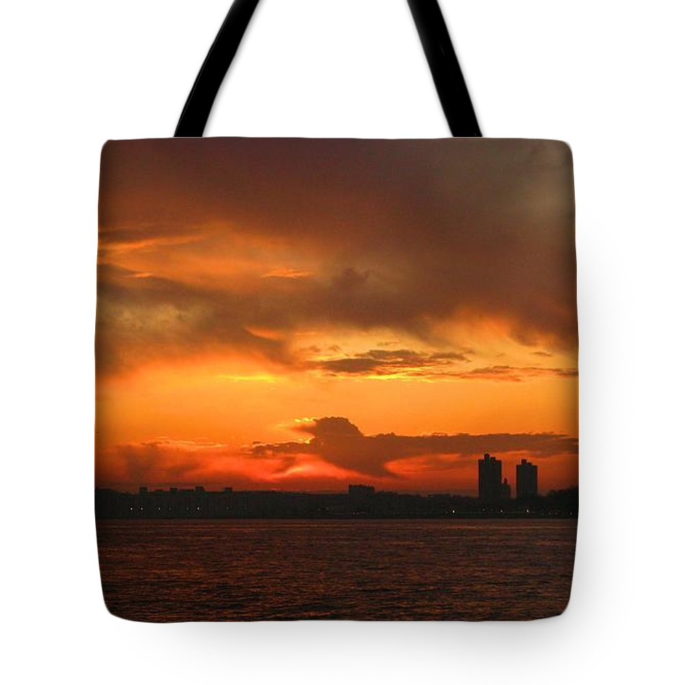 Sunrise Tote Bag featuring the photograph Thunderbird by Robert McCulloch