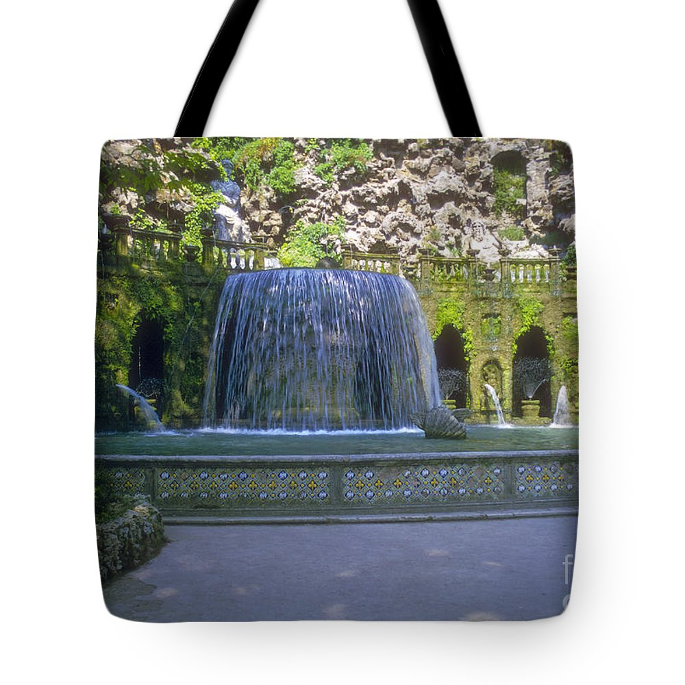 Tivoli Gardens Rome Fountain Fountains Water Structure Structures Landscape Landscapes Tree Trees Italy Plant Plans Pool Pools Tote Bag featuring the photograph Tivoli Gardens Fountain And Pool by Bob Phillips
