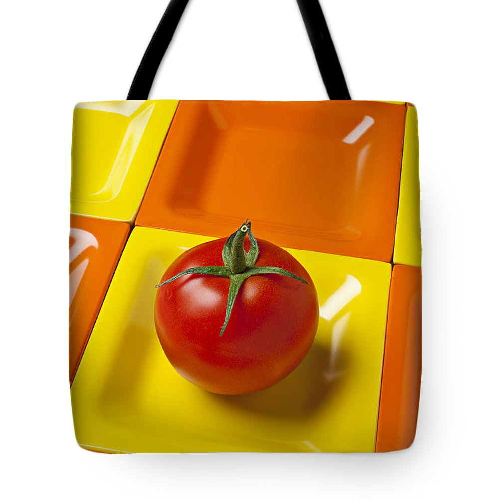 Tomato Tote Bag featuring the photograph Tomato On Square Plate by Garry Gay