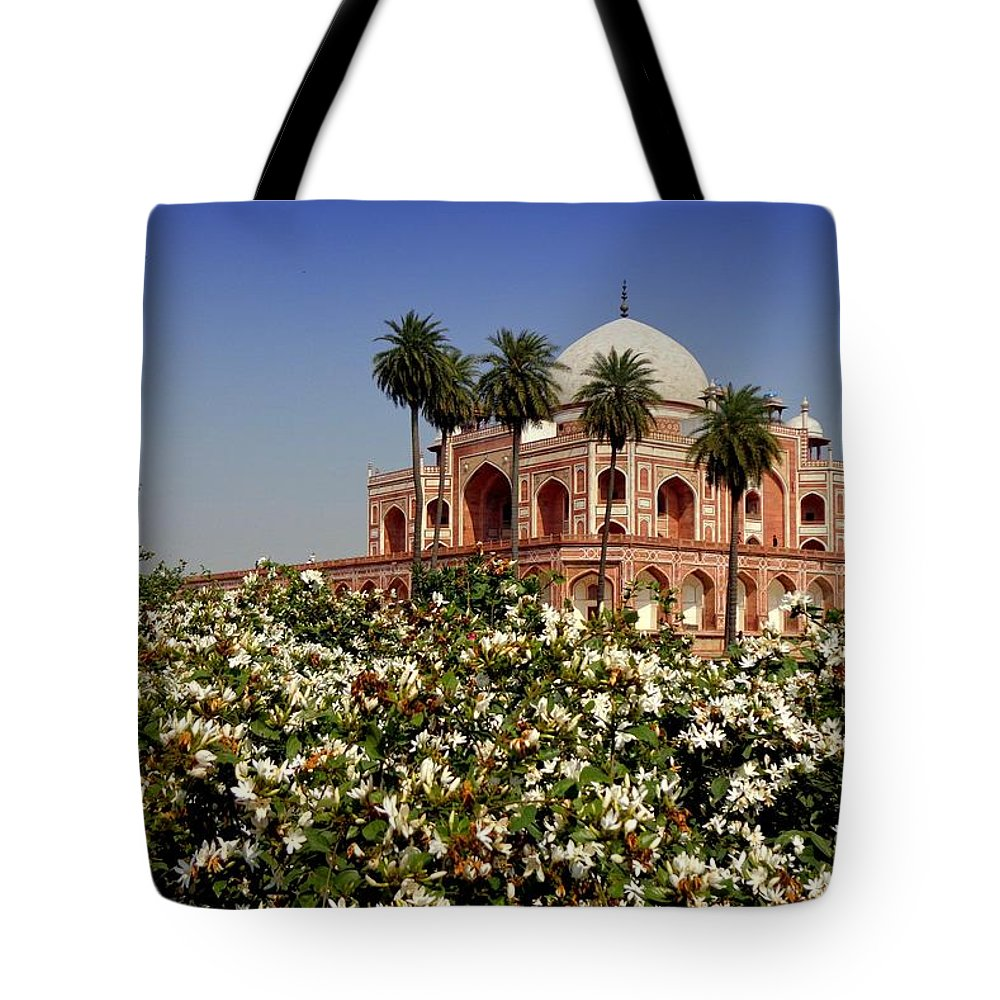Tranquility Tote Bag featuring the photograph Tomb Of Humayun by Smit Sandhir
