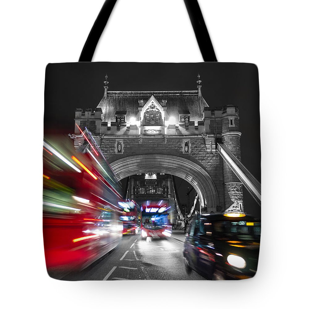 Horizontal Tote Bag featuring the photograph Tower Bridge And Traffic Color Mix by Travel and Destinations - By Mike Clegg