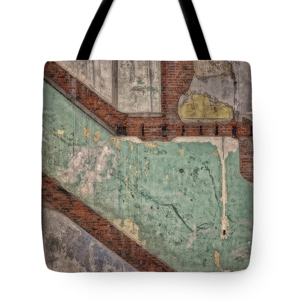 Grunge Tote Bag featuring the photograph Traces Of The Past Dsc03173 by Greg Kluempers
