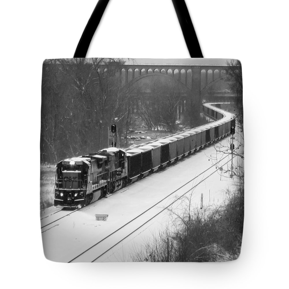 Train Tote Bag featuring the photograph Train Approaching by Gordon Cain