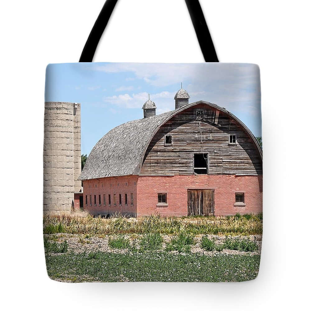 Barn Tote Bag featuring the photograph Tremonton Barn by Image Takers Photography LLC - Laura Morgan