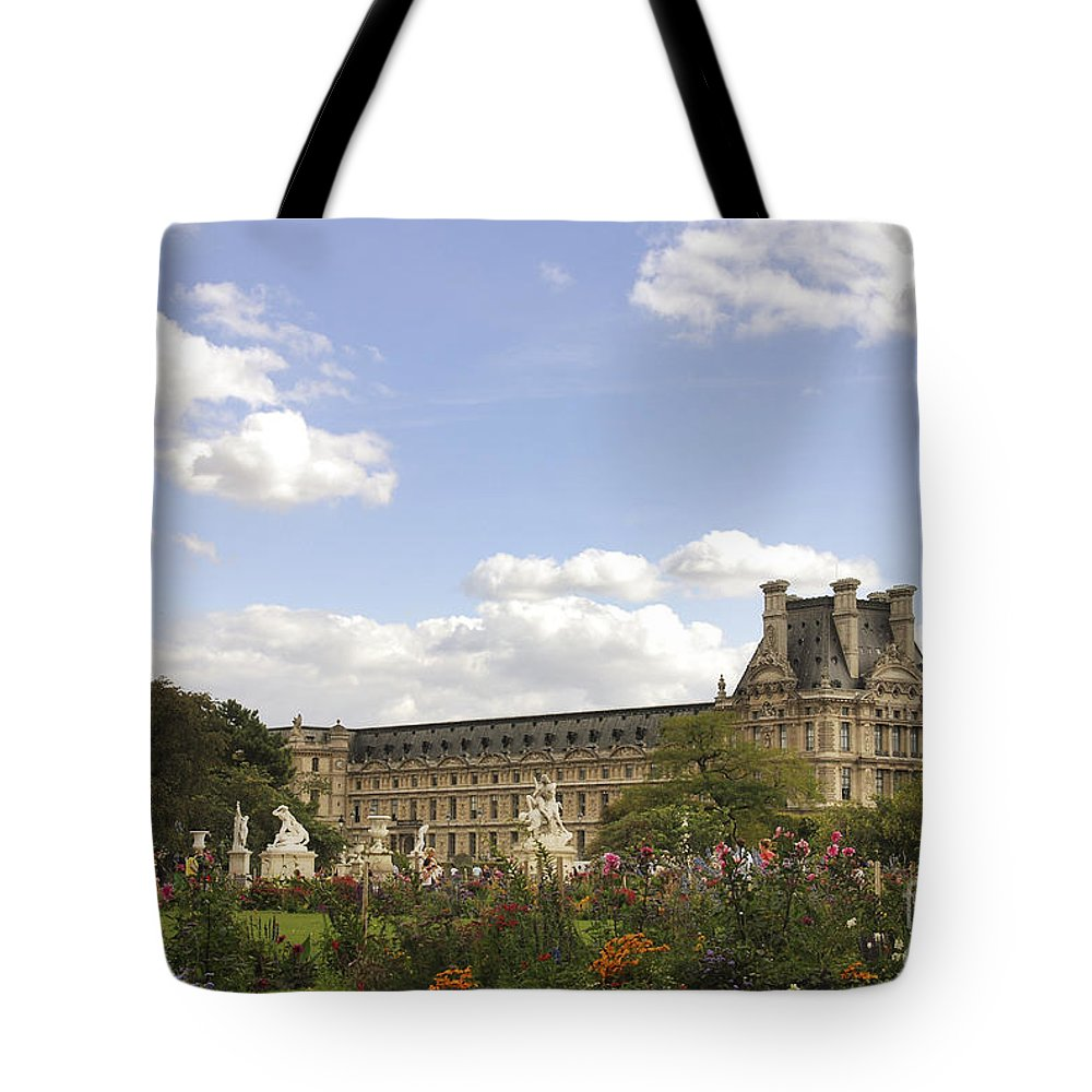 Photography Tote Bag featuring the photograph Tuileries Garden by Ivy Ho