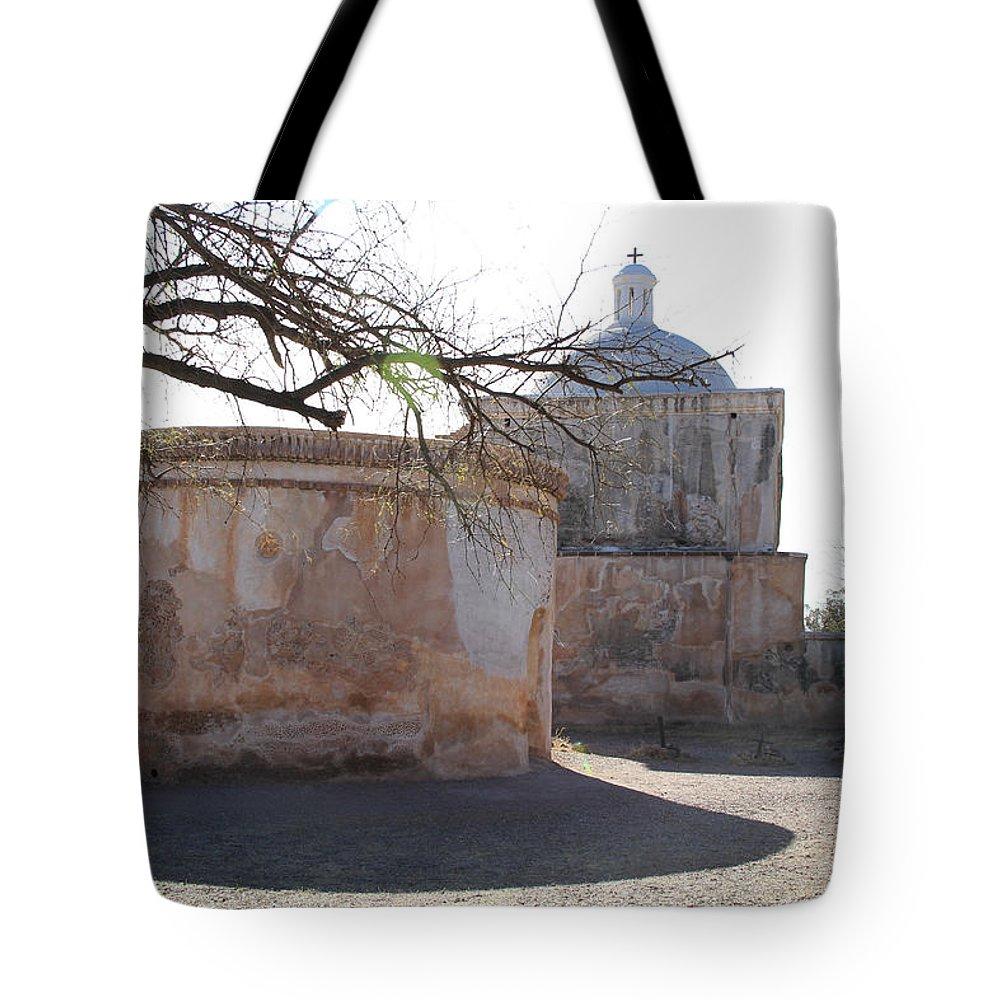 Arizona Tote Bag featuring the photograph Tumacacori Mission by Ed Riche