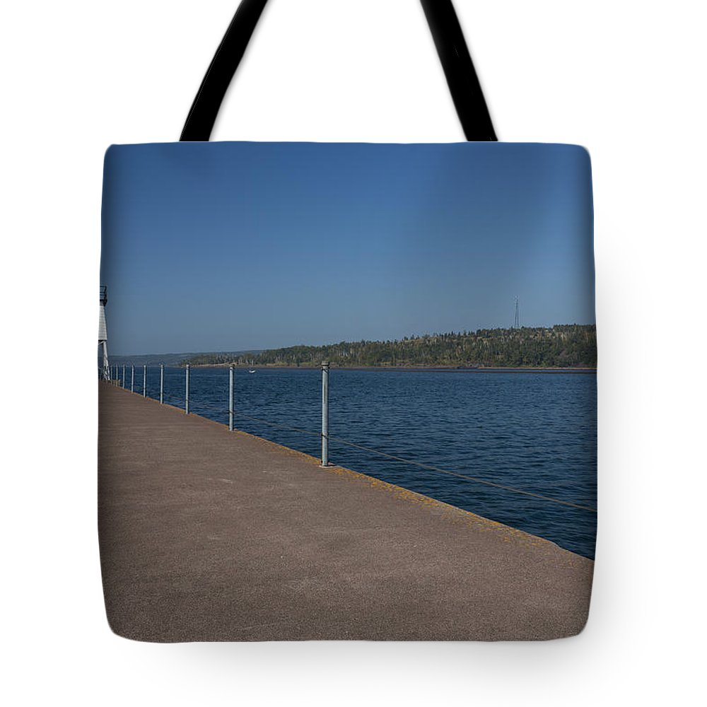 Two Harbors Tote Bag featuring the photograph Two Harbors Mn Pier Light 12 by John Brueske
